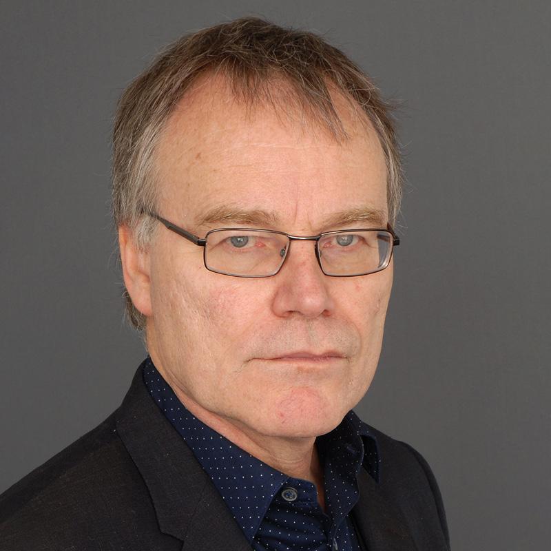 photograph of Simon Sweeney